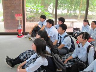 IMG_0959大学本当のロビー.JPG